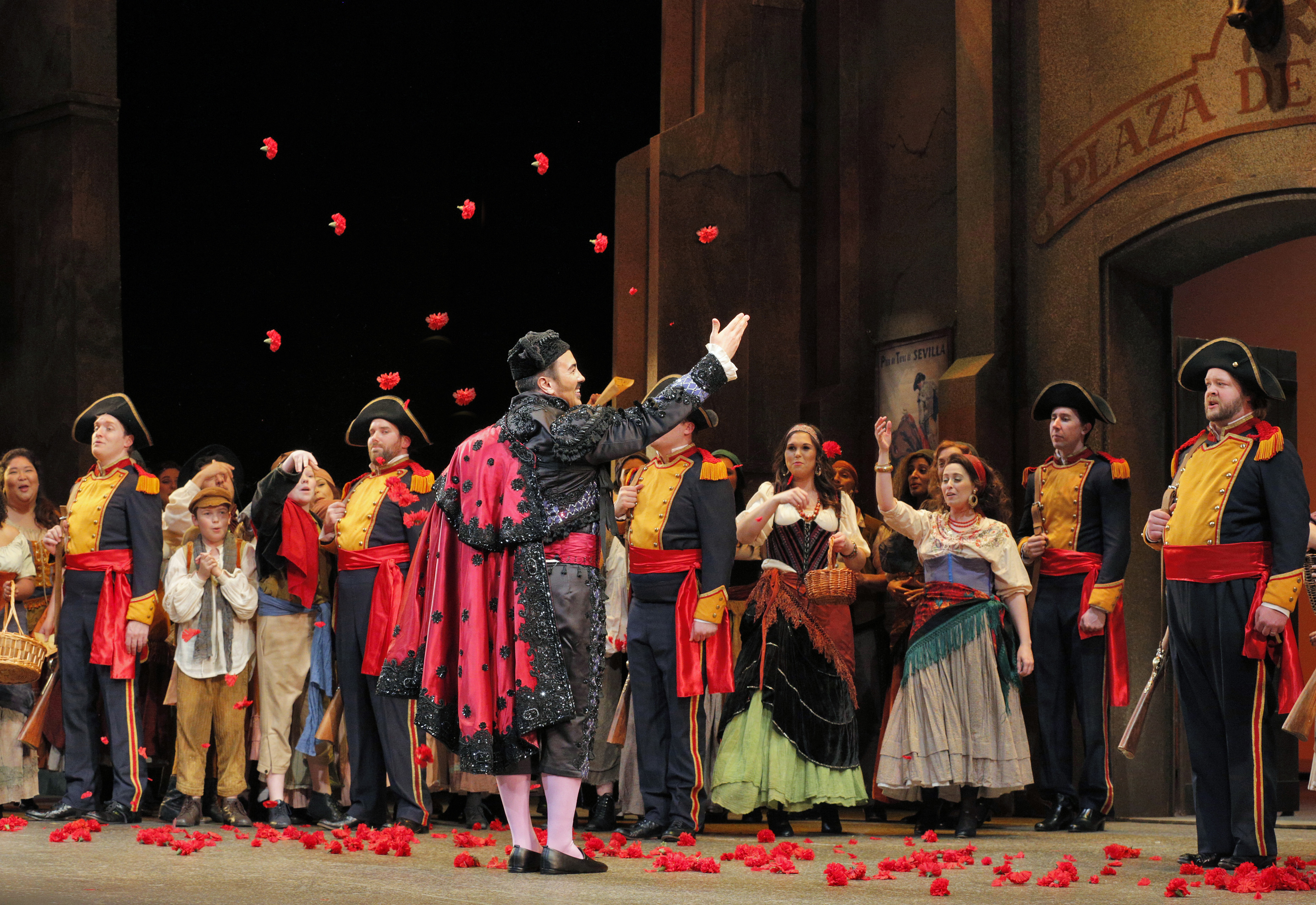 REVIEW: Lyric 'Carmen' keeps us intrigued, introduces stunning mezzo-soprano